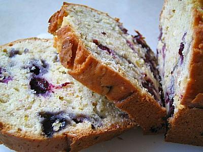 Blueberry_oat_bread_1